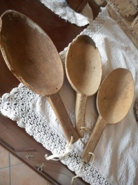 Sassole antiche in legno